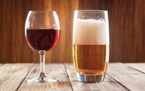 Gli effetti diversi degli alcolici, da birra e vino relax