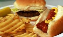 Cibi grassi e calorici a lungo termine sono come un'infezione