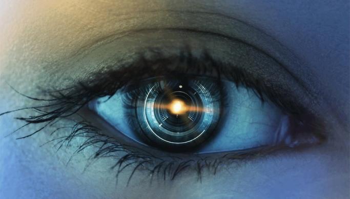 A Milano il primo impianto di retina artificiale a non vedente